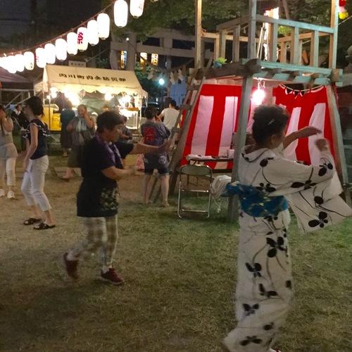 宮入まで奉納踊りが行われます。